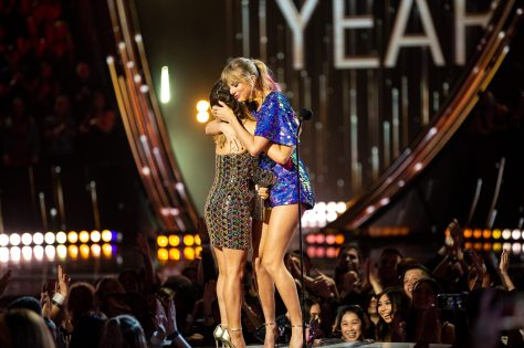 Taylor Swift Maren Morris iHeartRadio Music Awards