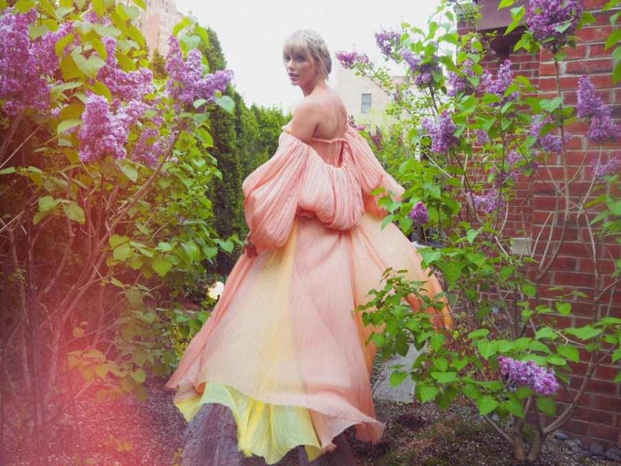 Taylor Swift TIME 100 Facebook 2019 April