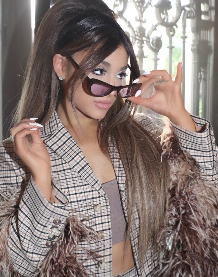 Ariana Grande Facebook 2019 August