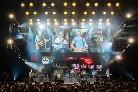 Hootie & the Blowfish Group Therapy Tour Facebook 2019 June